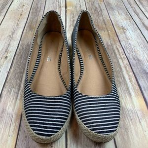 American Eagle stripped slip on shoes, size 9.5